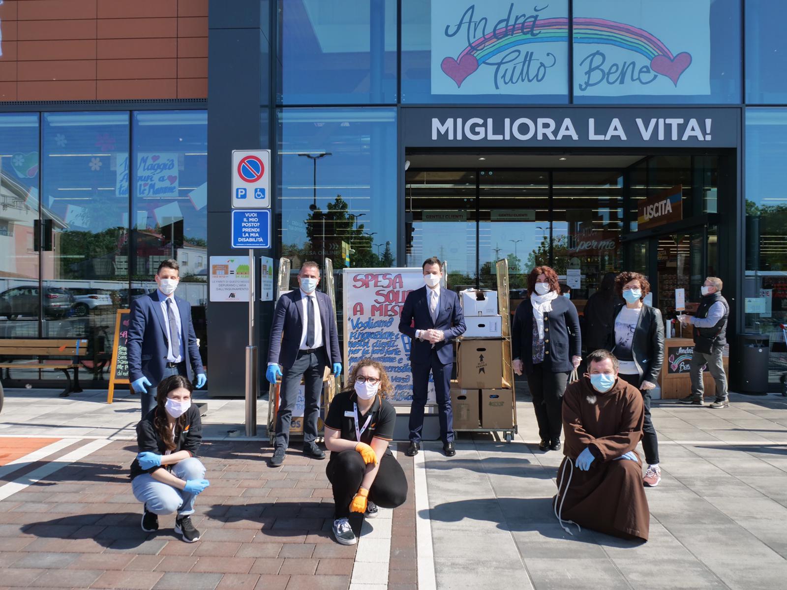 Spesa solidale: all'Alì di Mestre via Sforza raccolti beni di prima necessità