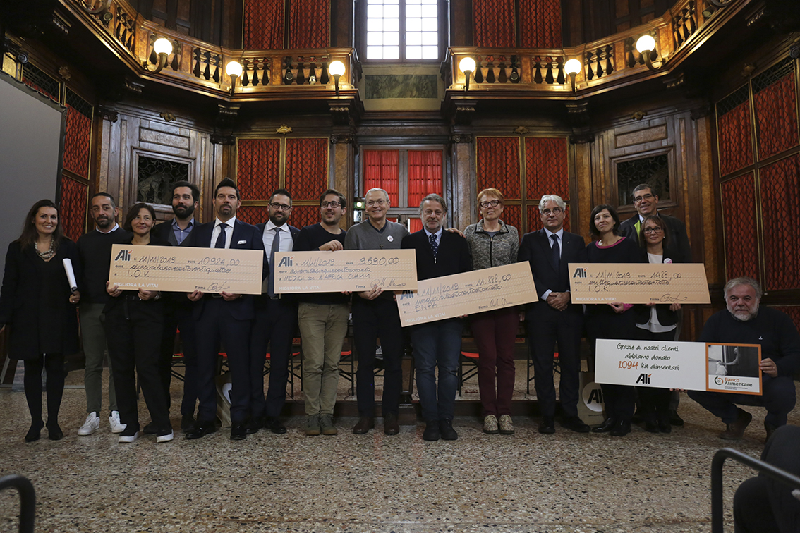 Alì consegna 43.594 € a Iov, Ior, Cuamm, Banco Alimentare del Veneto ed Enpa