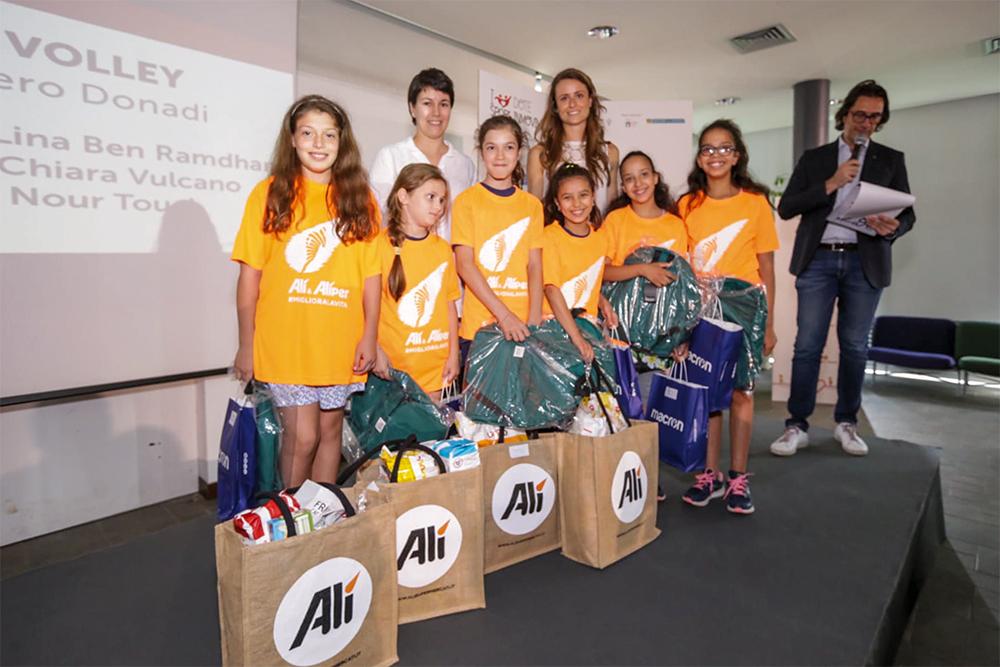 Dote in Movimento, gli sportivi insieme alla Mascotte Alì premiano i piccoli campioni