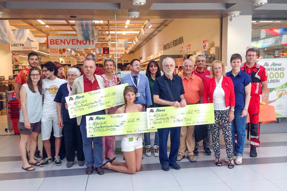 We Love People ha premiato 6 associazioni all'Aliper di Villafranca e all'Alì di Tencarola