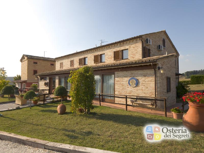 COUNTRY HOUSE  OSTERIA DEI SEGRETI di APPIGNANO (MC) - 3 GIORNI 2 NOTTI