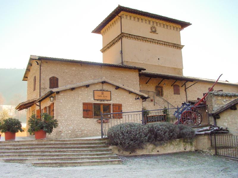 SOGGIORNO A SPOLETO (PG) - COUNTRY HOUSE VALLE ROSA