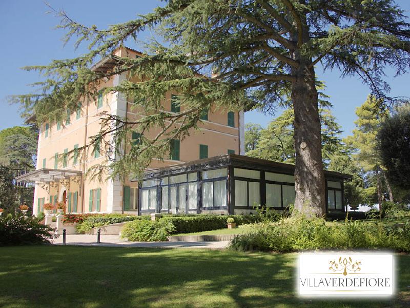 HOTEL VILLA VERDEFIORE  di APPIGNANO (MC) - 3 GIORNI 2 NOTTI