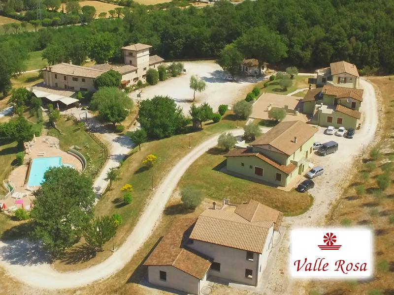 COUNTRY HOUSE VALLE ROSA di SPOLETO (PG) - 3 GIORNI 2 NOTTI
